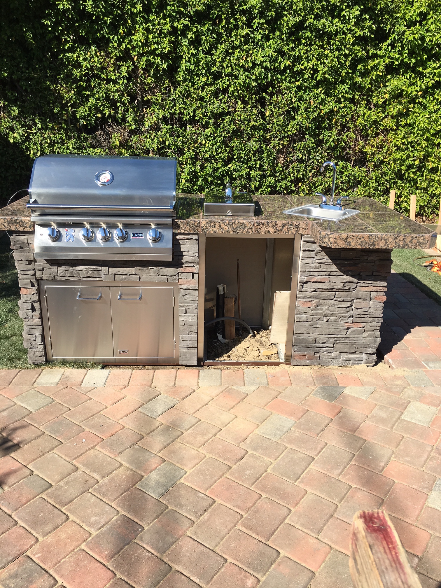 lion premium grills outdoor kitchen